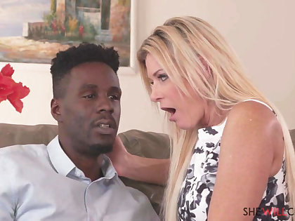 Very Hot blond mommy India Summer gets had sex unfathomable cavity her nearby her rear end