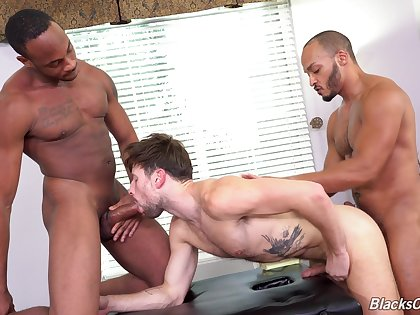 Finale on his face by two big dicks after gay threesome sex