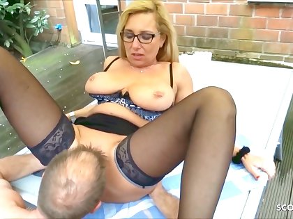 German Mature Wife Has Numero uno Sex In The Garden With The Neighbor