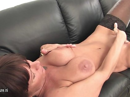 This Milf Loves Close to Stay Home And Play - MatureNL
